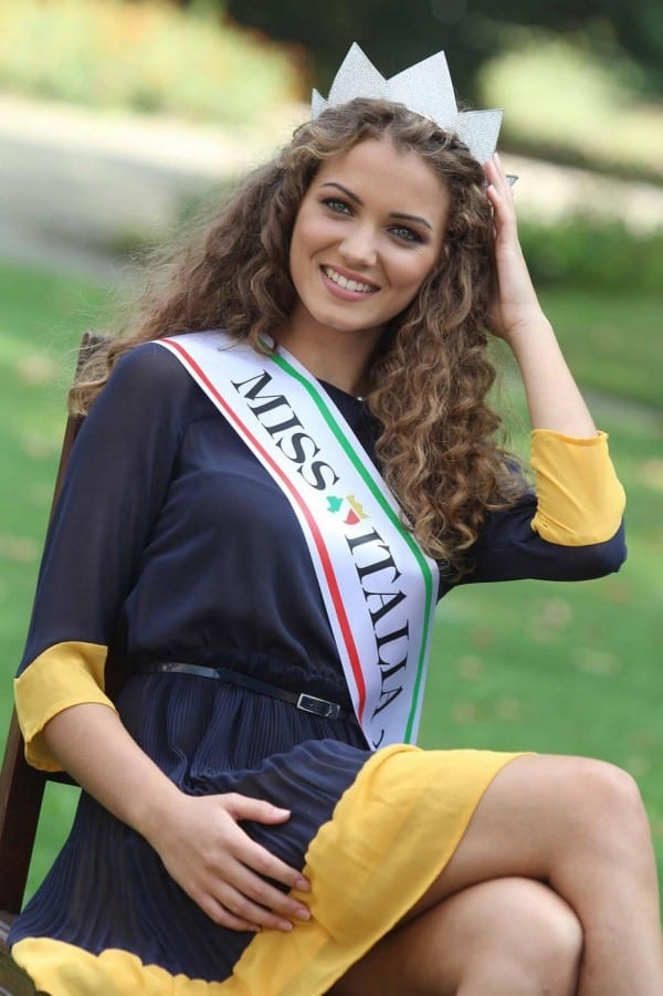 Giusy Buscemi Memphis photo shoot Italian beauty queen