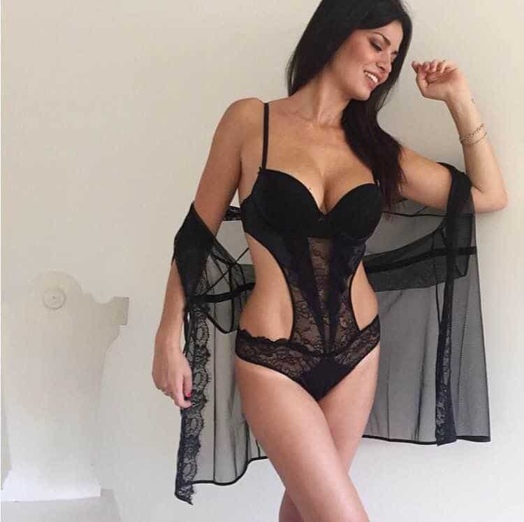 Laura Torrisi great shape in a sexy bikini lingerie