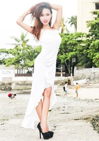 good Filipina lady with a slim and small body shape