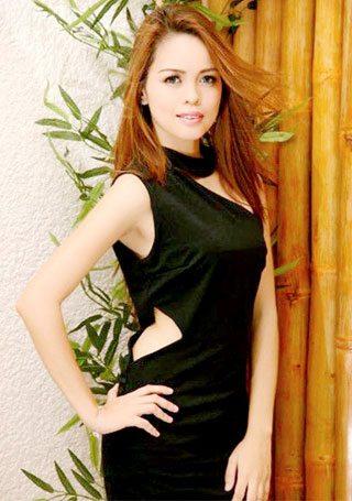 simple and pretty Filipina babe