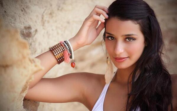 Amina Kaddur most beautiful Algerian model