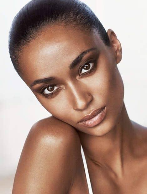 Anais Mali slim African model