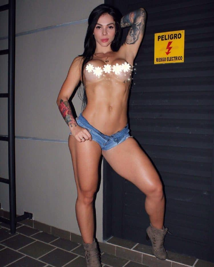 Angelik Hernandez pro fitness model