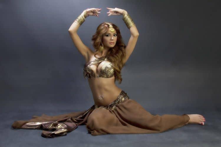 Didem Kinali Turkish belly dancer