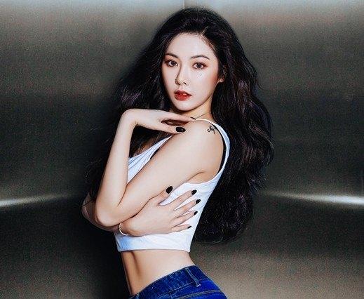Kim Hyuna sexy body
