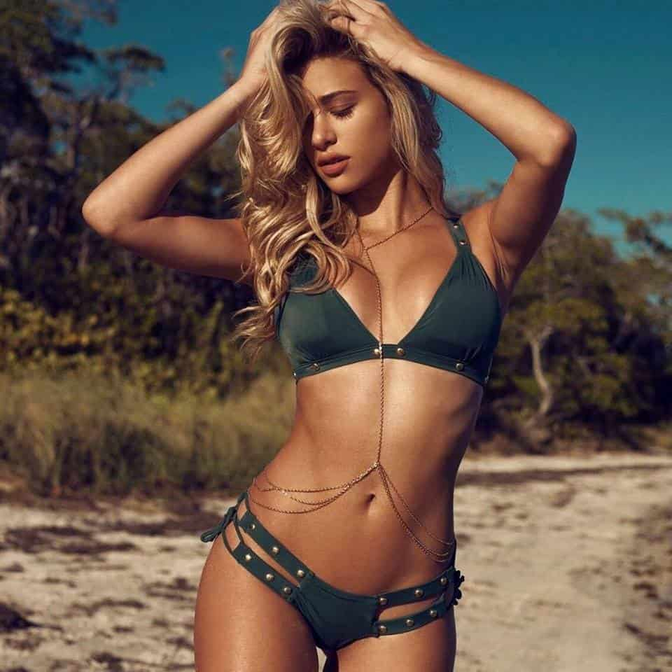 Cindy Prado sizzling hot in bikini