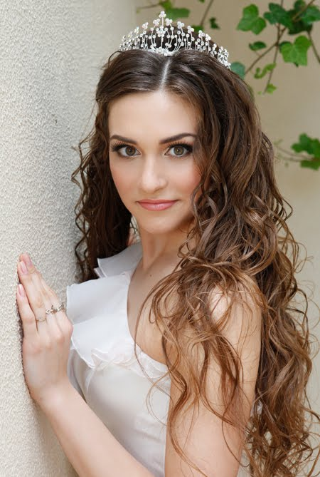 Kristina Oparina miss earth Ukraine 2011