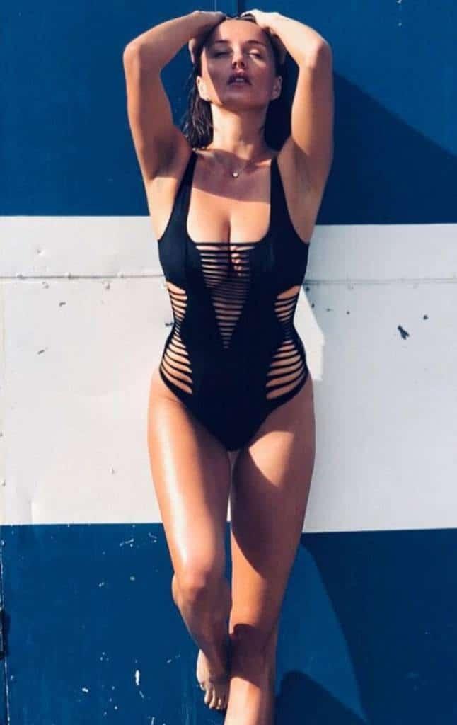 Melody Gudzowaty in black bikini
