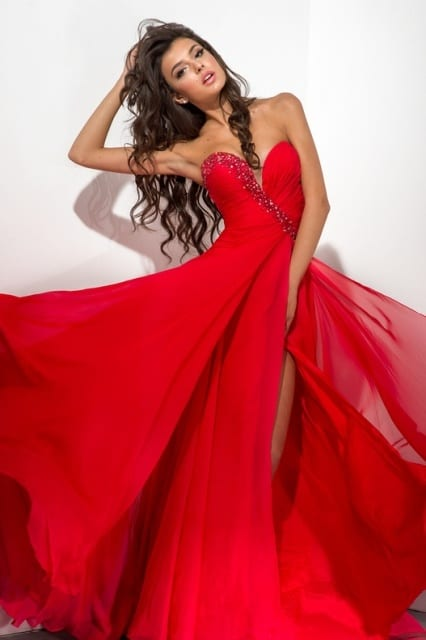 Snezhana Tanchuk stunning in red gown