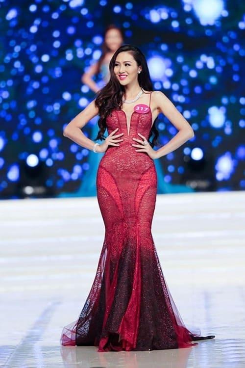 Trương Thị Diệu Ngọc in long gown