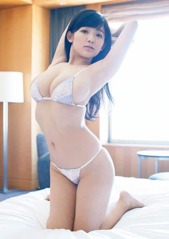 Jun Amaki seductive at the bed