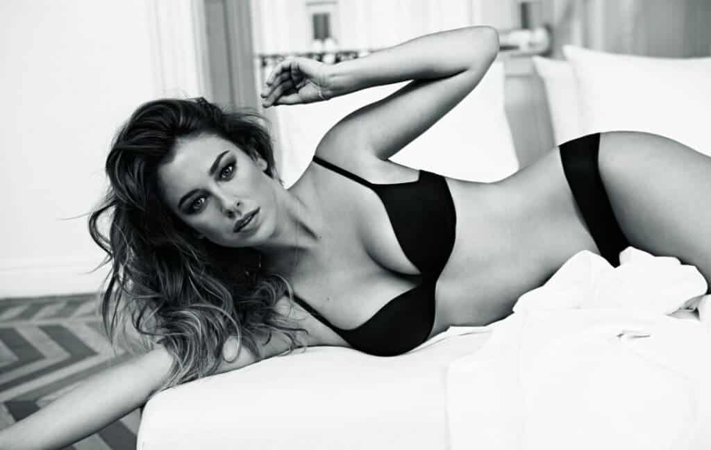 Blanca Suárez black and white photo