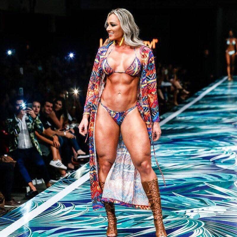 Juliana Salimeni Brazilian girl with muscles