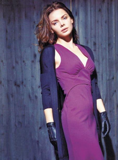 Liza Boyarskaya looking good in a purple dress