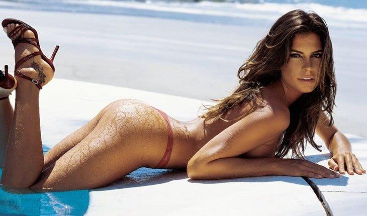Maryeva Oliveira sexy photo at the pool