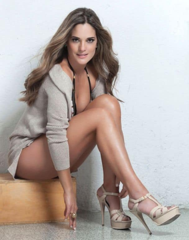 Sabrina Seara long legged Venezuelan actress