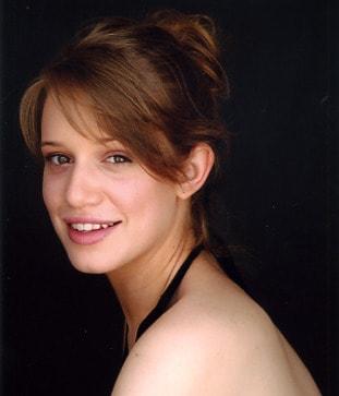 Daniella Kertesz sweet smile