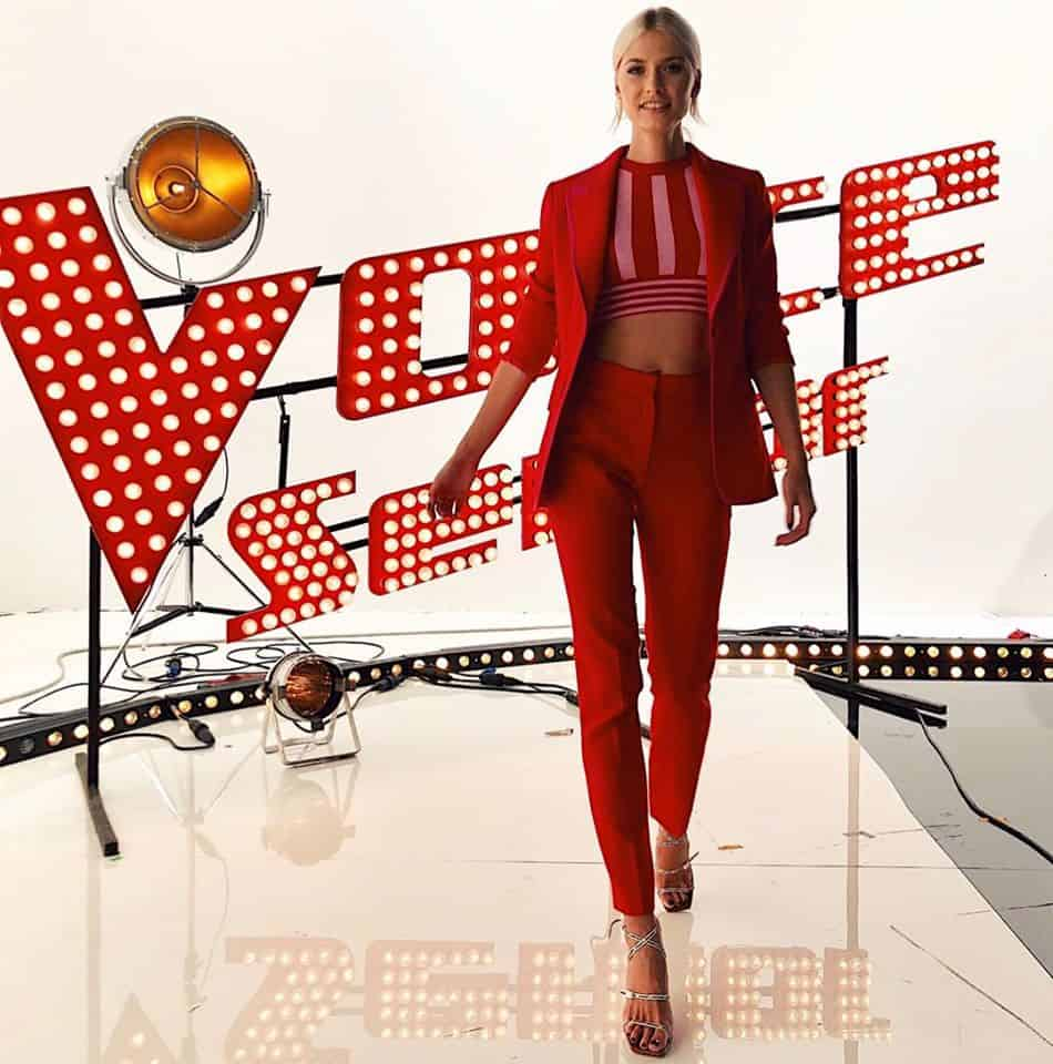 Lena Gercke amazing in all red suit