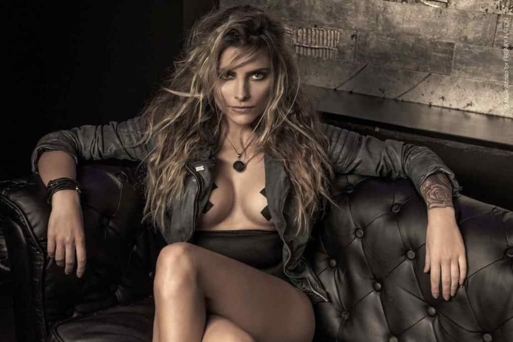 Sophia Thomalla seductive look