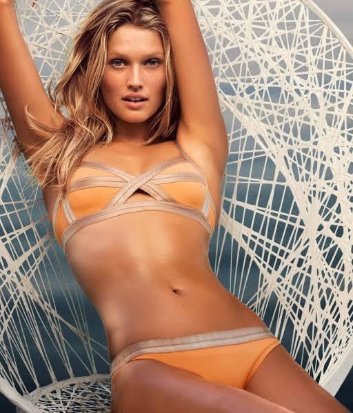 Toni Garrn hot German model