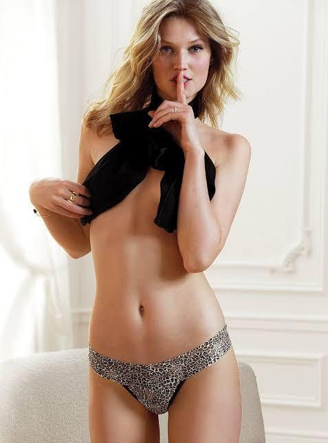 Toni Garrn seductive photo