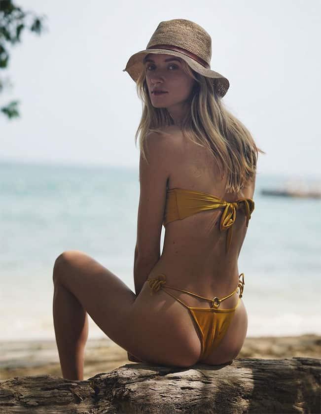 Alek Alexeyeva stunning sexy back