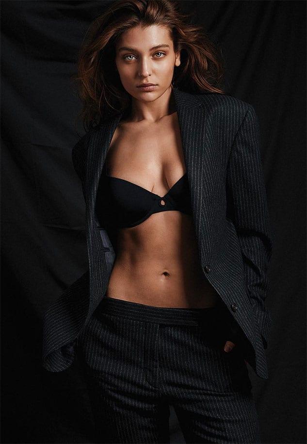 Magdalena Zalejska sexy gorgeous in formal suit