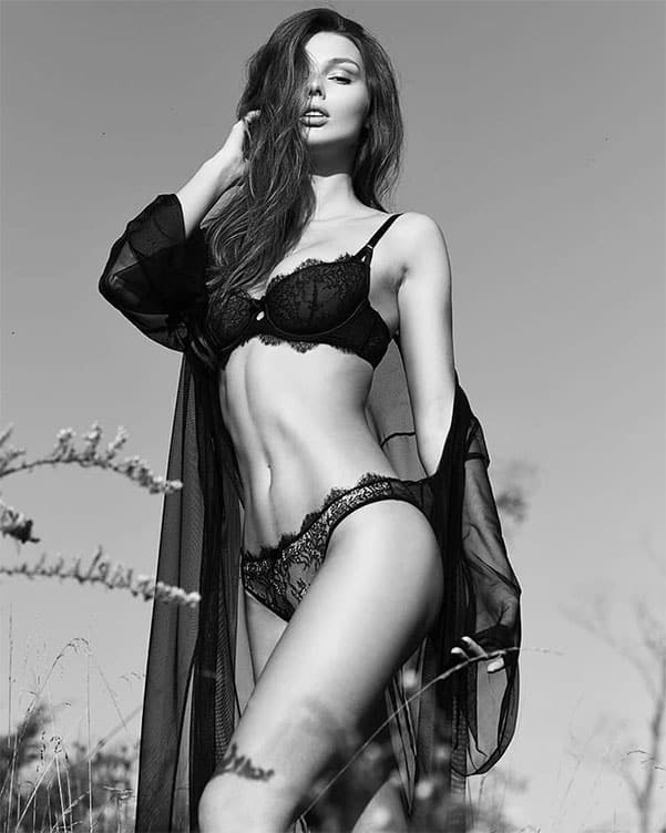 Marta Magdalena Stepien still beautiful in black and white