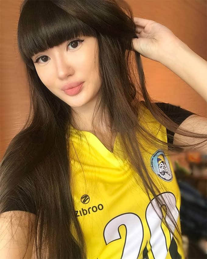 Sabina Altynbekova taking a selfie