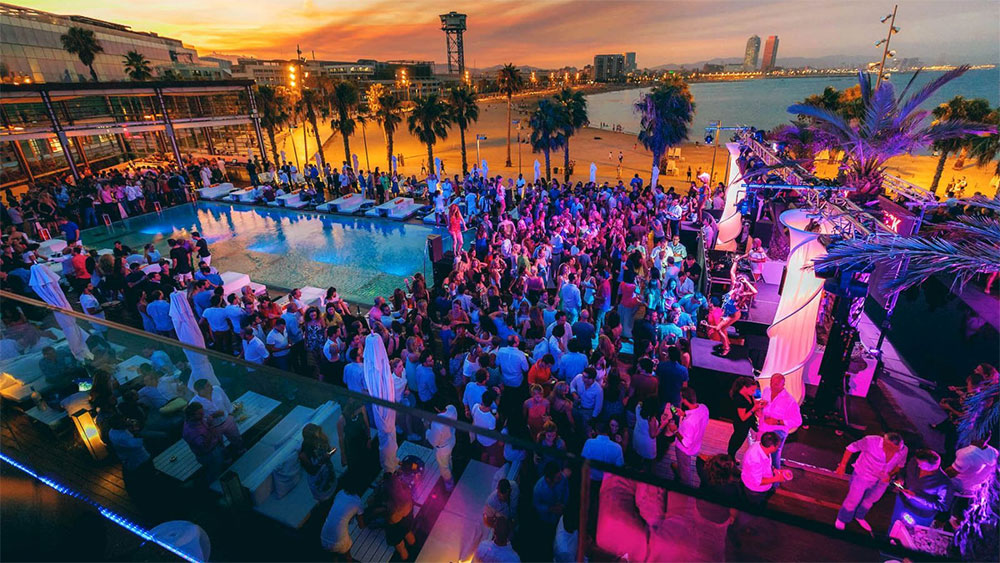beach party nightlife in Barcelona